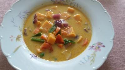 rote thai curry suppe mit s kartoffel rezept rezepte. Black Bedroom Furniture Sets. Home Design Ideas