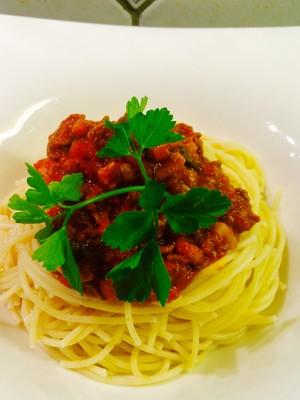 spaghetti bolognese rezept rezepte auf. Black Bedroom Furniture Sets. Home Design Ideas