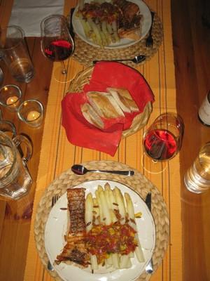 Spargel mit Lachs und Tomaten-Mango-Salsa Rezept