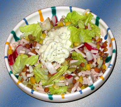 Frühlingssalat mit Hühnchenwurst Rezept