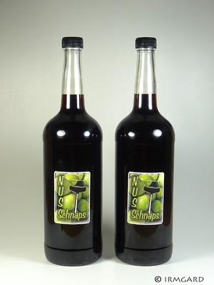 Grüne-Nüsse-Schnaps Rezept