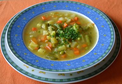 Klare Gemüsesuppe Rezept