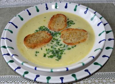 Paprika-Kartoffelsuppe mit gerösteten Baguette Rezept