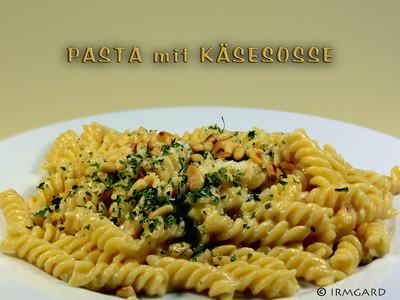 Pasta mit klassischer Käsesosse Rezept