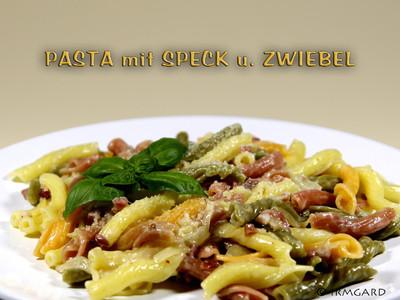 Pasta mit Speck und Zwiebel Rezept