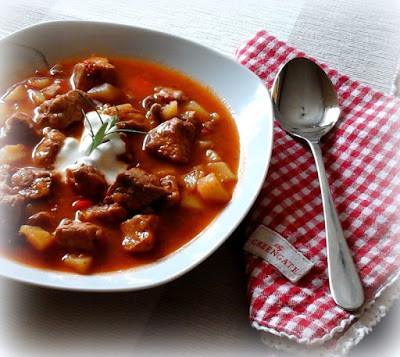 Ungarische gulaschsuppe rezept rezepte auf for Ungarische gulaschsuppe
