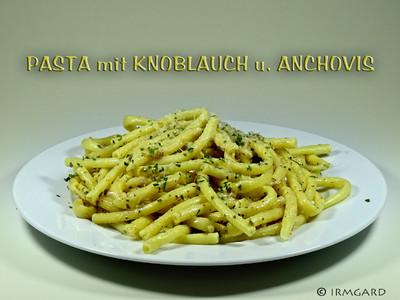 Pasta mit Knoblauch, Anchovis und Kapern Rezept