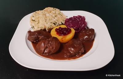 Reh Ragout in Schoko Rotwein Sauce Rezept