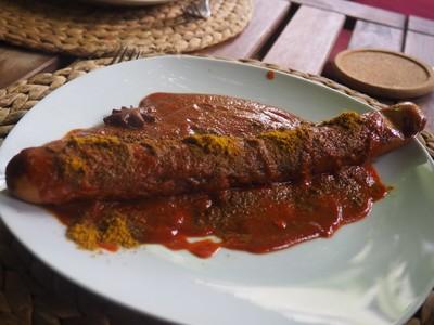 Currywurst mit Kartoffelecken Rezept