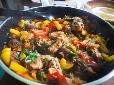 Hähnchen-Paprika-Reispfanne Rezept