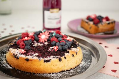 Veilchenblüten Frizzante-Obstkuchen Rezept