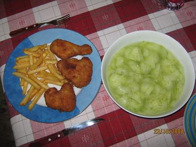 Backhenderl mit Gurkensalat Rezept