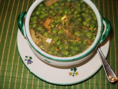 Erbsensupppe mit Eierschwammerl und Erdäpfeln Rezept