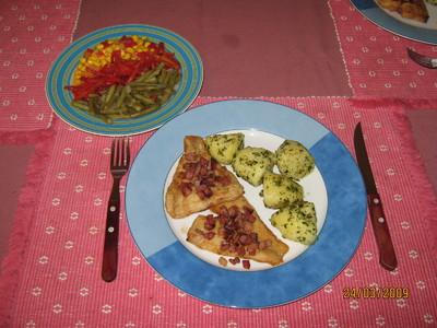 "Schollefilet ""Rustikal"" mit Petersilerdäpfeln & Salatgarnitur Rezept"