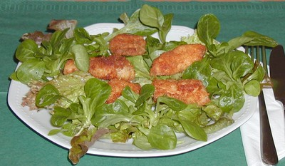 Backhendlstreifen auf Blattsalaten Rezept