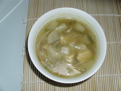 Scharfe pikante Suppe mit Tofu Rezept