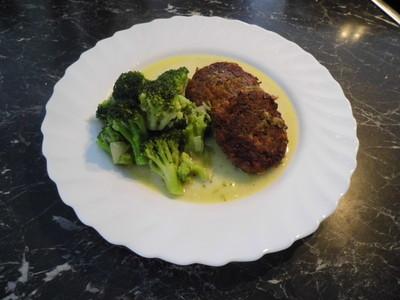 Linsenbratlinge mit Sahnebroccoli Rezept