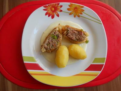 Faschiertes im Blätterteig und Salzerdäpfel Rezept