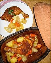 Hühnerkeulen im Tontopf Rezept