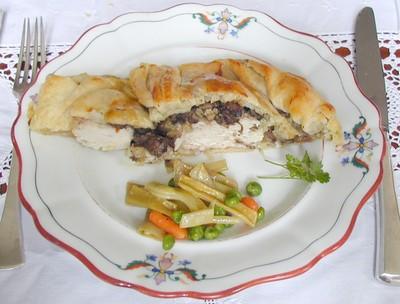 Gefüllte Hühnerbrust im Blätterteig Rezept