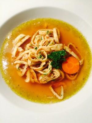 Kräuter- Frittaten Suppe  Rezept