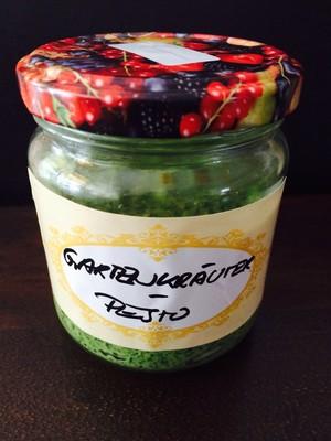 Gartenkräuter Pesto  Rezept