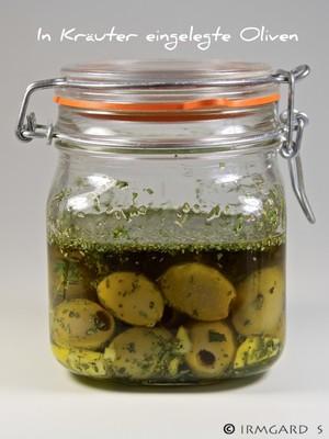 In Kräuter eingelegte Oliven Rezept