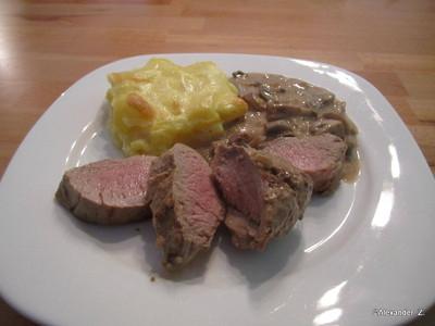 Schweinefilet Medium Mit Kartoffelgratin Und Champignonsauce Rezept