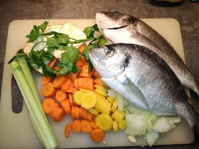 Kräftige Fischsuppe  Rezept