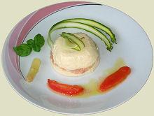 Spargelmousse mit Lachstatar Rezept