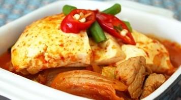 Kimchi Eintopf mit Schweinefleisch Rezept