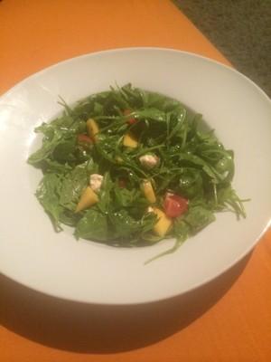 Rucola- Mango- Mozzarella Salat Rezept