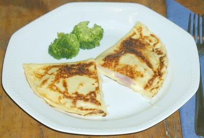Palatschinken mit Schinken und Käse Rezept