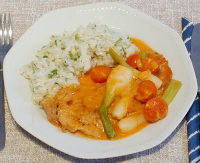 Schnitzel mit Paradeis-Jungzwiebel-Sauce Rezept