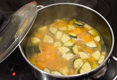 Kürbis Zucchinisuppe Rezept